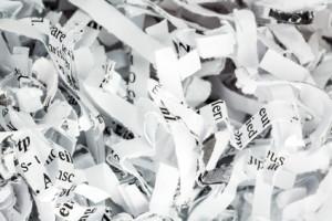 Geschreddertes Papier entsorgen